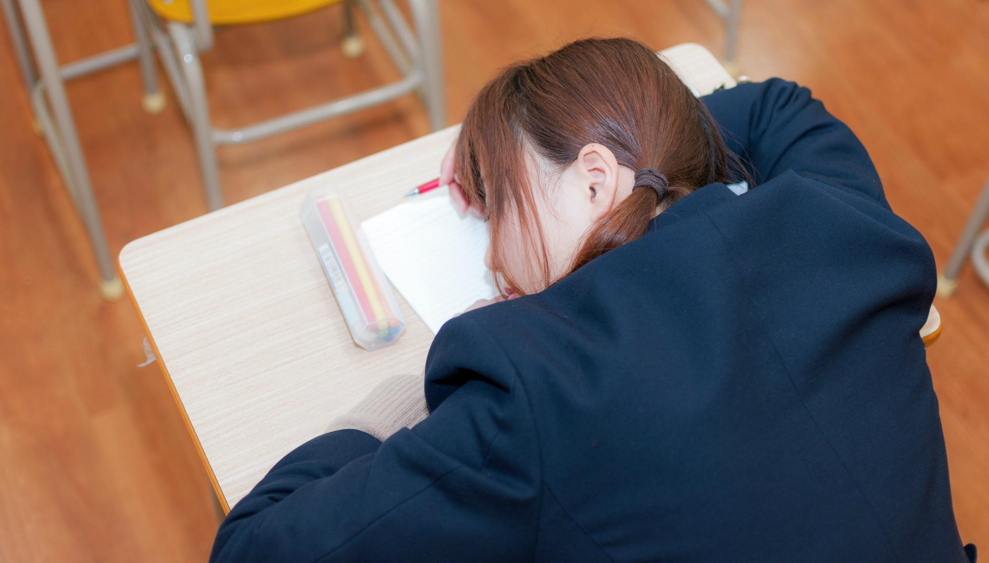 まだ受験勉強で消耗してるの?-放課後や週末まで子どもに長時間残業させない時代へ変える方法