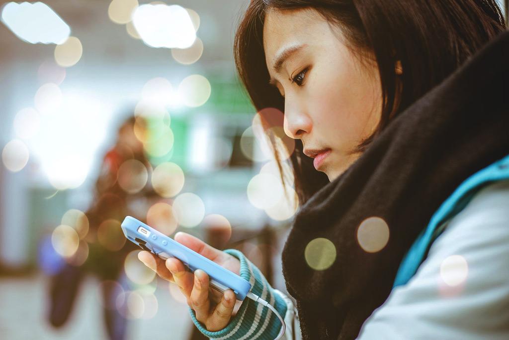 恋愛が始まるのも深めるのもネットから-若者の恋愛・コミュニケーションの変化に応じた性教育とは?