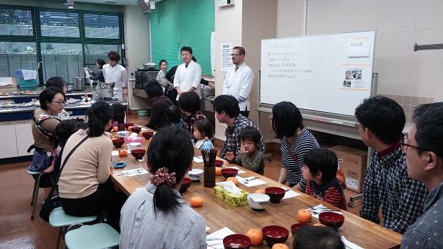 【まち・ひと】子ども時代に「おいしい」体験を/料理人たちが「子ども食堂ランチ会」で素材の味を届ける