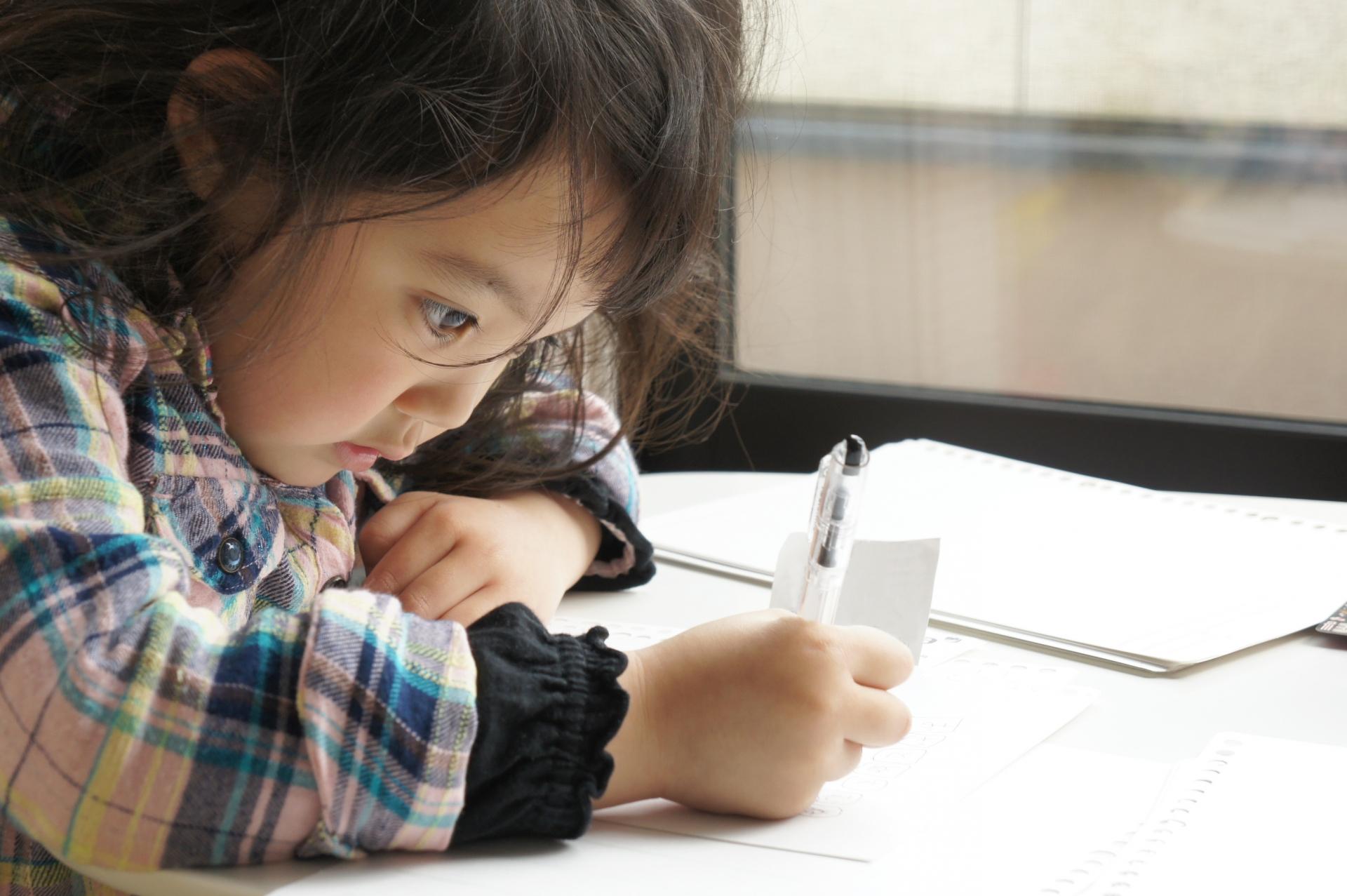 「子どもの貧困対策法」の成立から3年。対処から対策へ―無料塾や子ども食堂の次に必要な対応とは?
