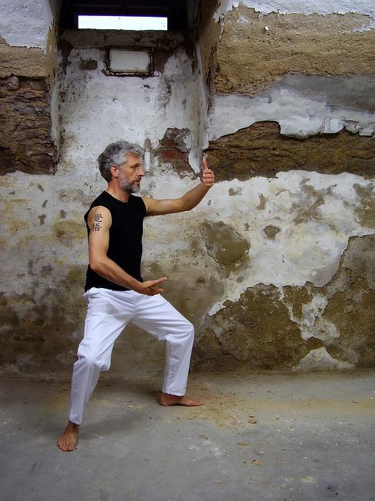 非薬物療法 第11回:太極拳は高齢者の転倒を減らせるの?