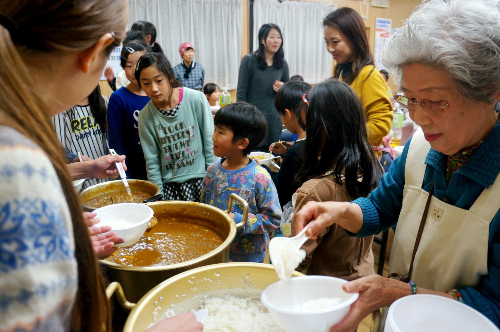 「こども食堂」の定義論争こそ当事者不在の「おとなの都合」-子どもにとって定義よりも重要なこととは?