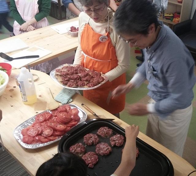 【JIBUNテレビ】目からウロコ!米国流ハンバーガーの作り方