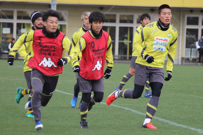 町田也真人選手「ペナルティエリアに入ることと、裏に張っていくことは見せたい」