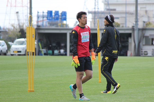 佐藤優也選手「(4バックは)バランスはいいですよね」