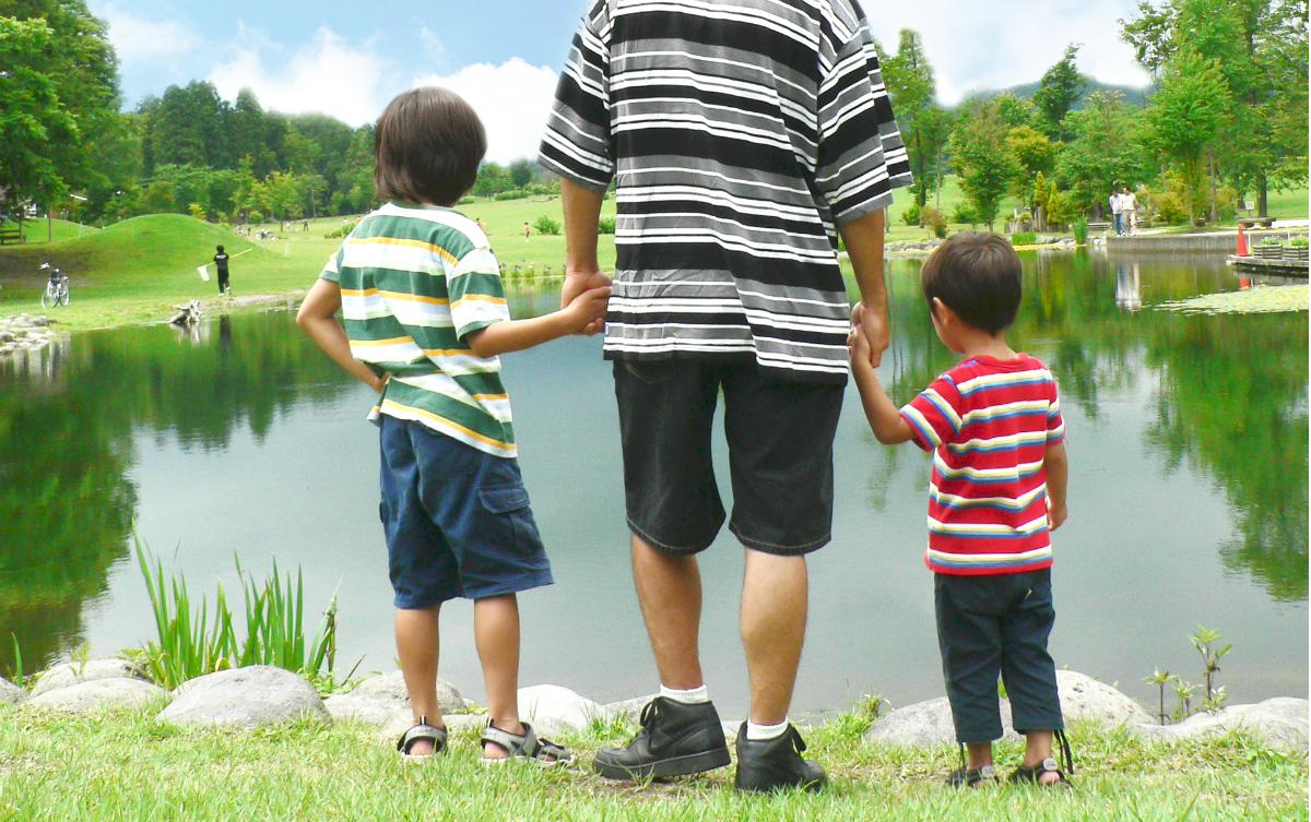 子どもの体験は、誰が担っていくべきなのか?-家庭の負担頼みで、長期休みや連休に広がる体験格差