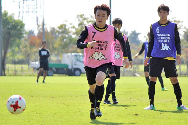 矢田旭選手「しっかり守備の意識を頭に入れながらやっていけたら」