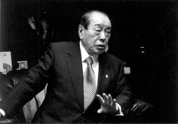 『被差別部落出身』を公言し、反戦を主張し続けた元自民党幹事長・野中広務氏が死去