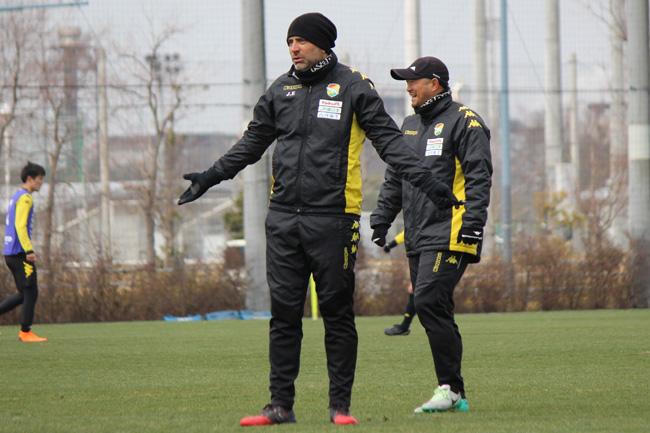 フアン エスナイデル監督「チームがいいプレーをして、試合を勝つためにいいサッカーをどんどんやること」