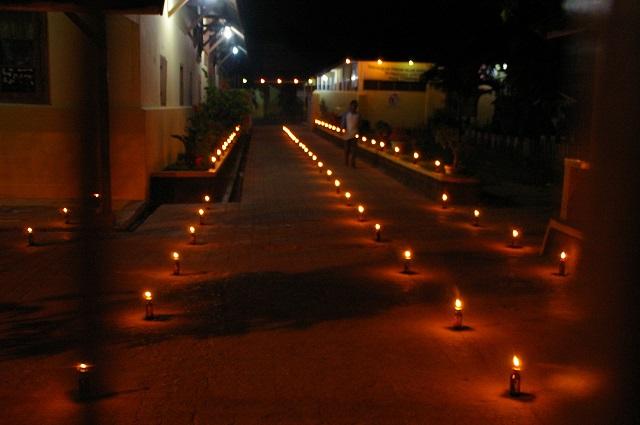 ゴロンタロの「灯りの祭典」、トゥンビロトヘ(松井和久)