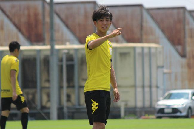 茶島雄介選手「相手を中に食いつかせたりしてからサイドを使ったりすると、相手の攻撃も崩れてきたりするので、起点になれるようにやりたい」