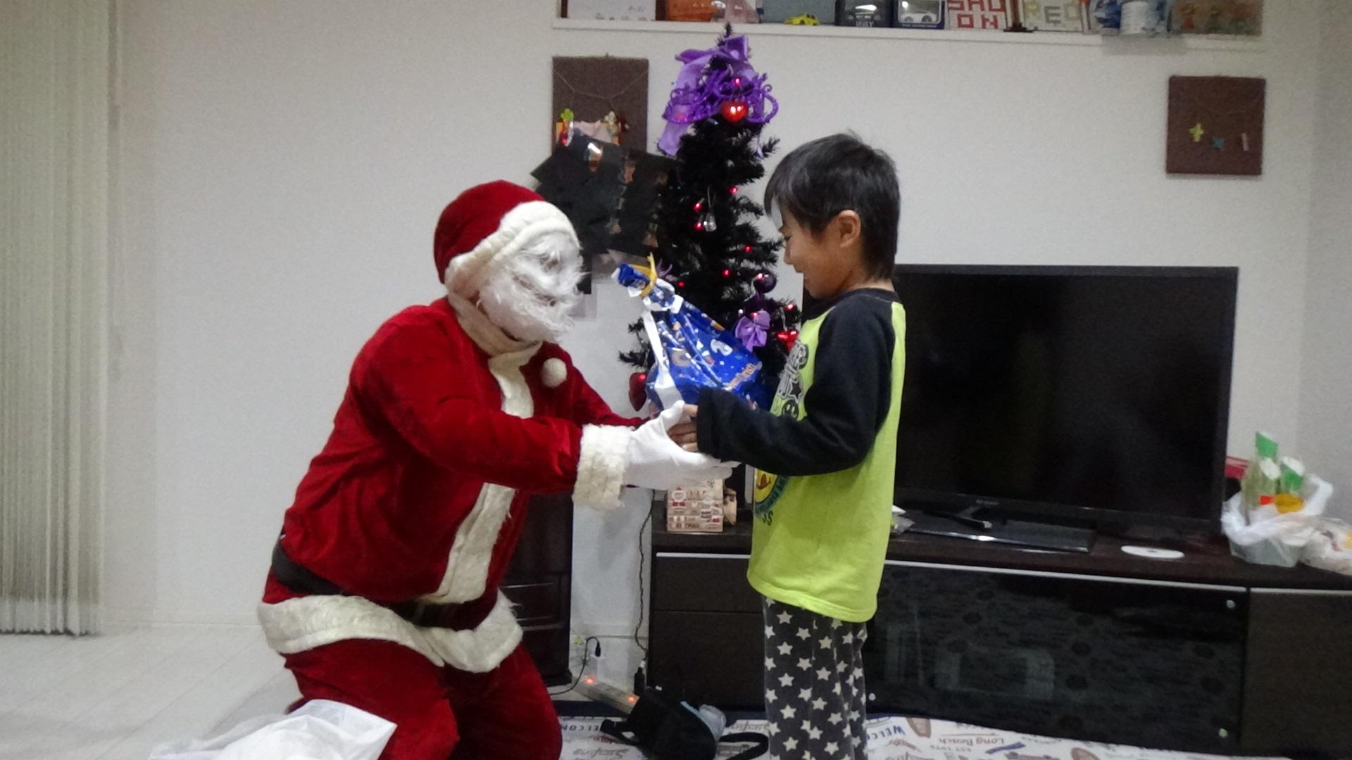 サンタさん、これあげたら喜ぶかな?