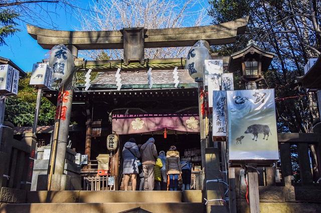800年の歴史、諏訪台地にある「諏方神社」に初詣
