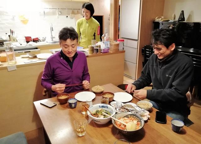 ご近所で夕飯シェア「隣で晩ごはん」を試行/慶応大大学院生ママが研究開発中
