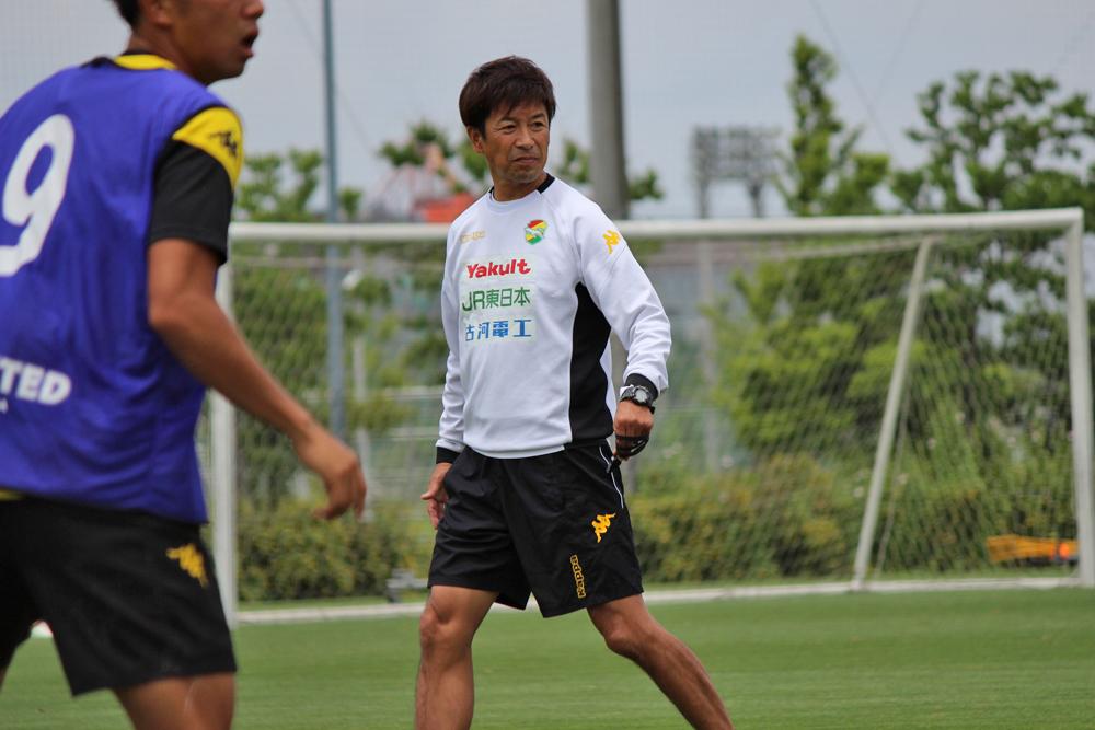 江尻篤彦監督「スッキリした気持ちで選手を(ピッチへ)送り出したい。そういうところも含めて、しっかりマネジメントをやらなければいけない」