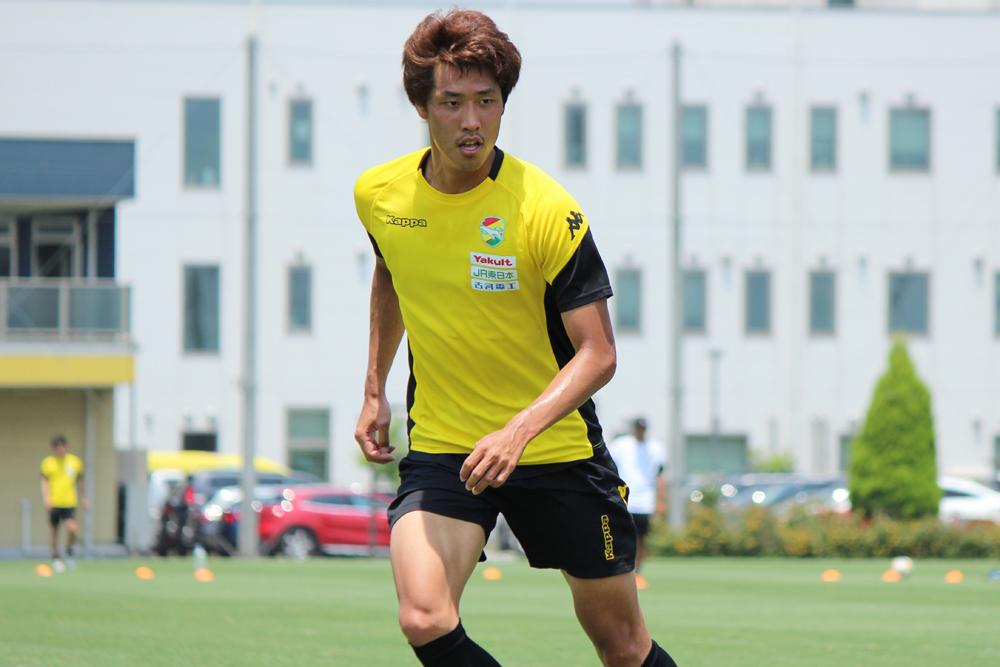 新井一耀選手「後ろだけでは守れないし、守備ができる選手であるぶん、コーチングで動かすことができれば、より引き出せる部分も出てくると思う」