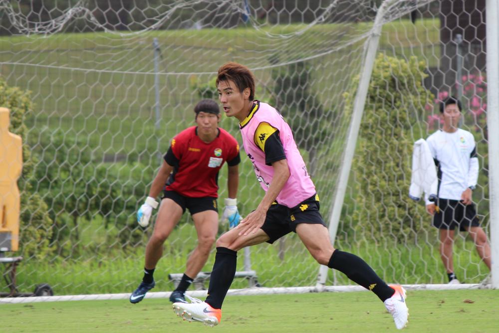 米倉恒貴選手「この暑い時期に全部、前から守備に行くのは難しいので、全員がピッチの中で判断してできるようにならないといけない」