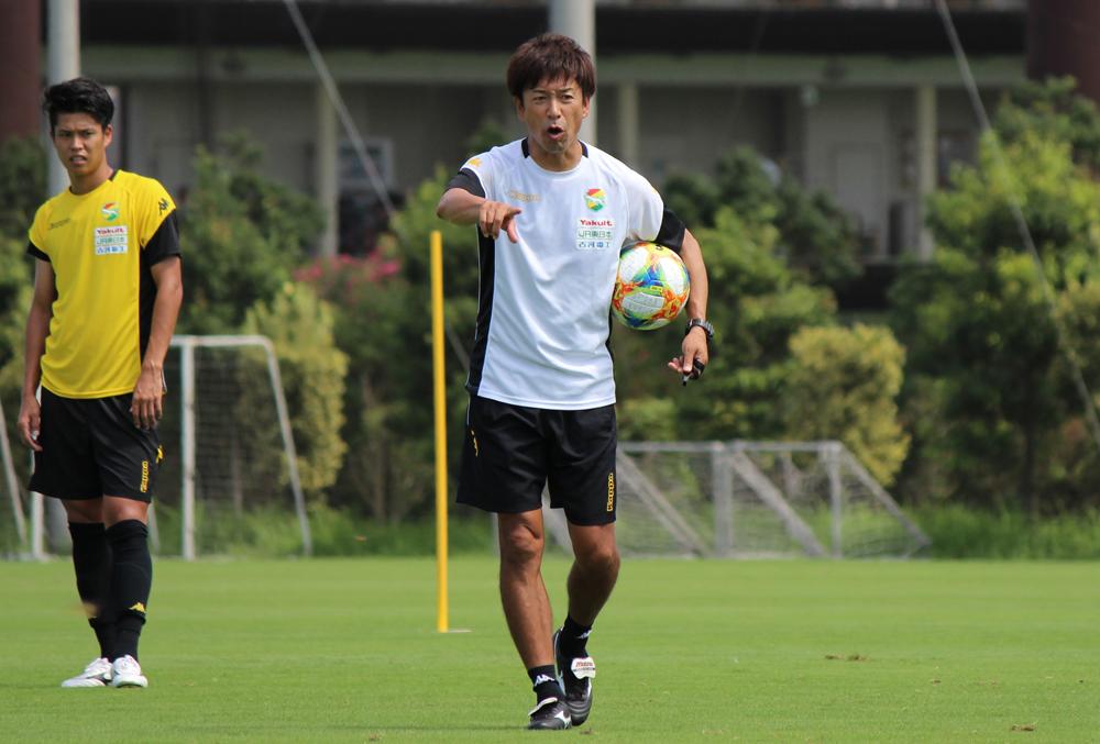 江尻篤彦監督「本当にやっている、いい選手を使っていきたいなと思うし、トレーニングでもきっちりやっているヤツが(試合に)出て行く」