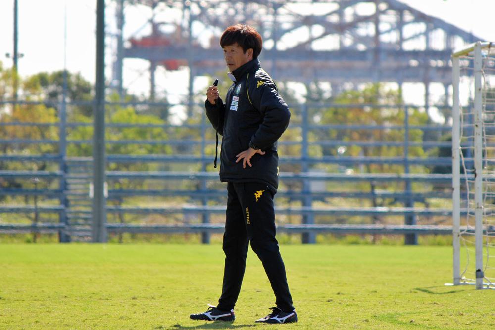 江尻篤彦監督「(佐藤)勇人の現役最後の試合をサポーターの方々は応援に来てくれる。来年につながるように最後はいいゲームにしてほしい」