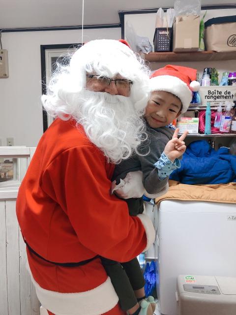 サンタさんと一緒に「お母さん、いつもありがとう!」