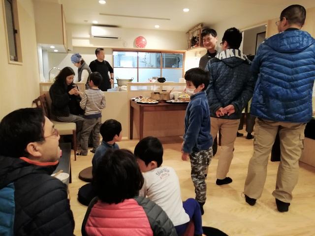 「うちに来ればみそ汁あるよ」。豆腐店併設の子どもの居場所「しゅうちゃんち」
