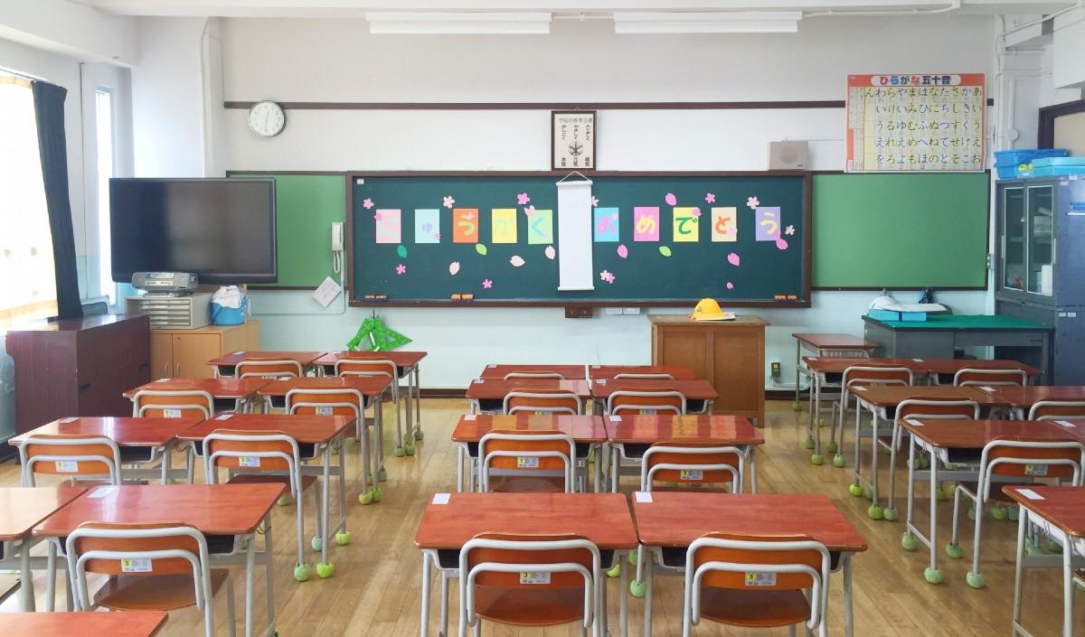 休校が続く小学校!奔走する学校教員・教師に聴く-新任教員が感じる焦りと不安。今は授業の準備に注力。