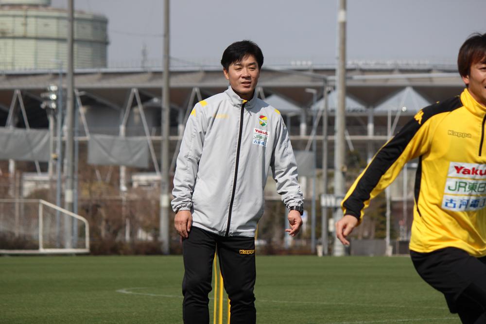 尹晶煥監督「自分がまずブレずに自分がやりたいことを、(試合に)負けても、(試合の内容や出来が)悪くても、続けてやることが大事だと思います」