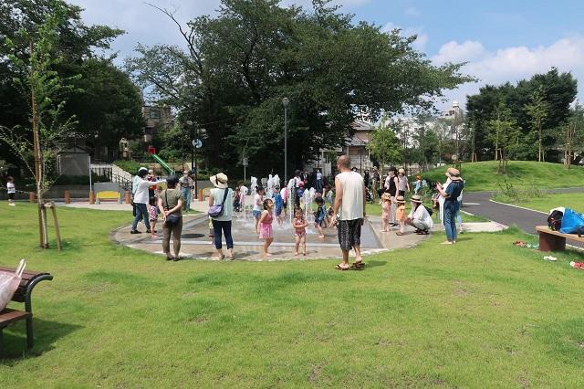 小学校跡地を住民の手で地域の公園に/新規オープン「雑司が谷公園」の「ひろばくらぶ」