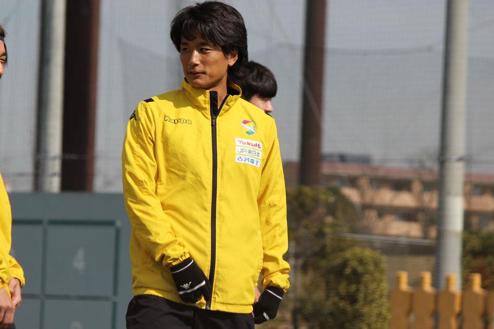 小島秀仁選手「最初は中への一発の勝負のパスだったり、危険なエリアへの侵入だったりというのを意識しながら、バランスを見てサイドも使いながらという攻撃ができたら」