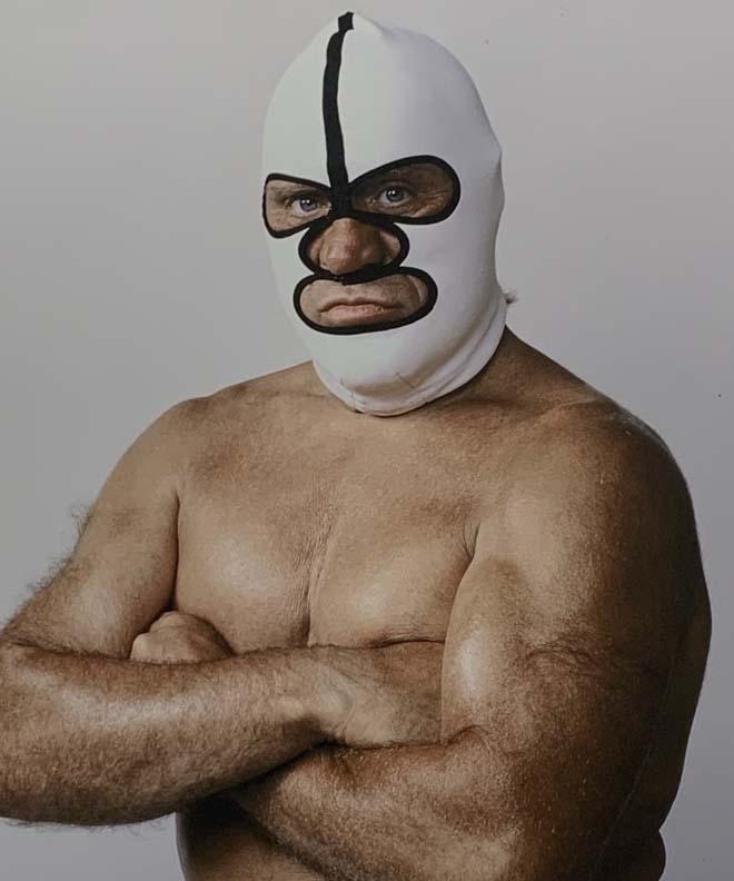 マスクは顔の一部になった
