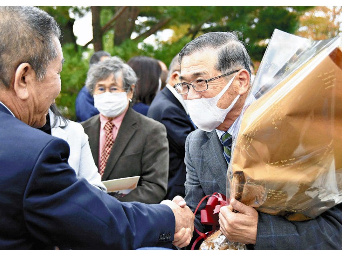 福島県飯舘村の菅野典雄村長10/26退任