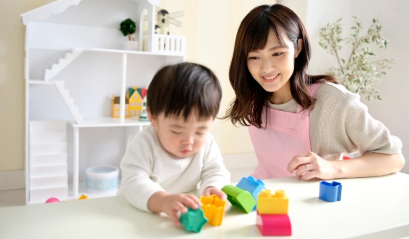 世界と比べて日本の若手保育者は働きすぎ?-「子どもと接しない仕事時間」が特に長い傾向