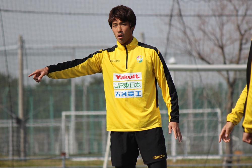 新井一耀選手「先に失点したら厳しいと思うので、逆にこっちが高い位置でボールを奪ってそのままカウンター攻撃で点が取れるくらいの勢いを持って試合に臨みたい」