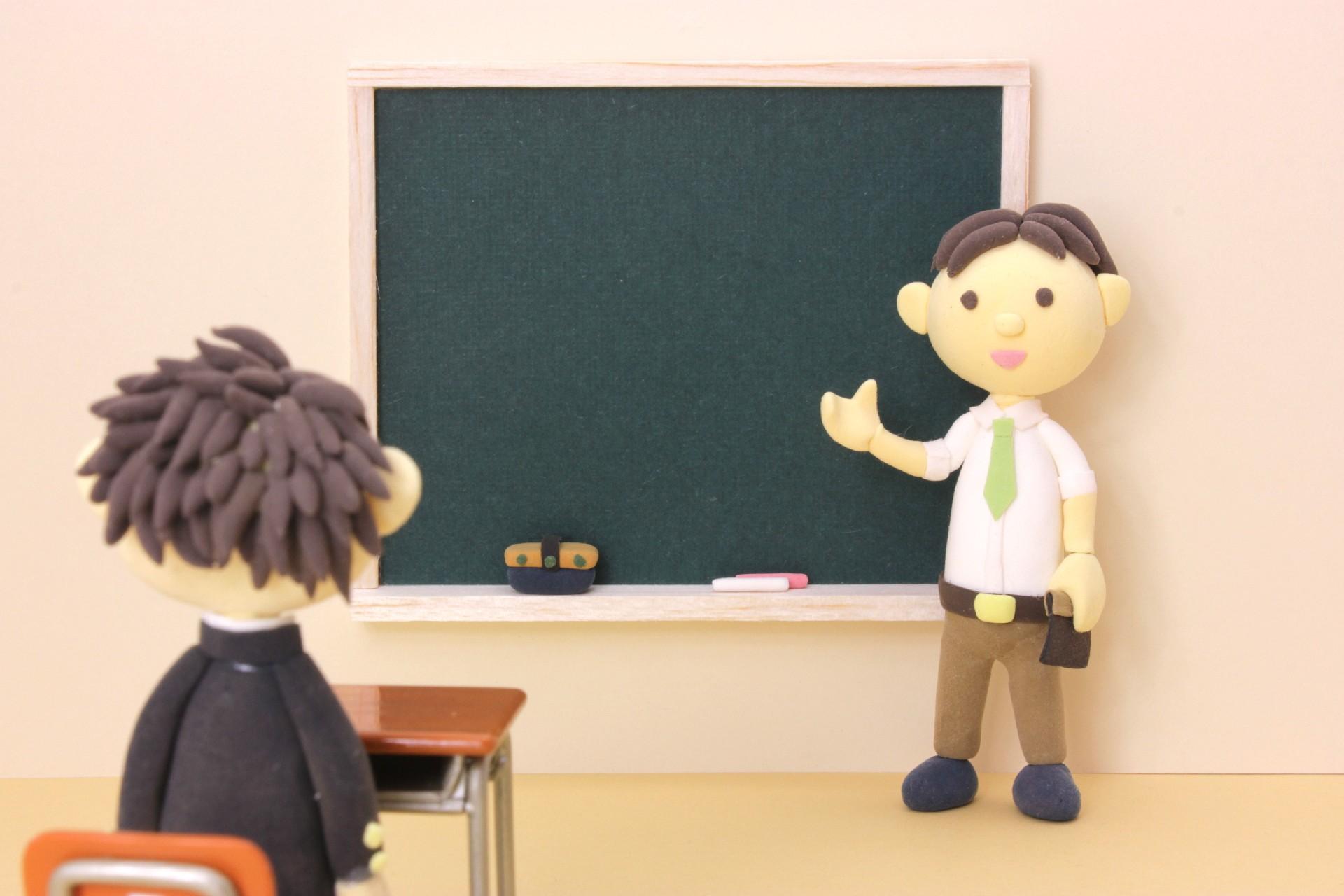 今、日本の学校教育の現場で何が起きているのか?-多忙過ぎる業務、倍増する病気休職率、低下する採用倍率