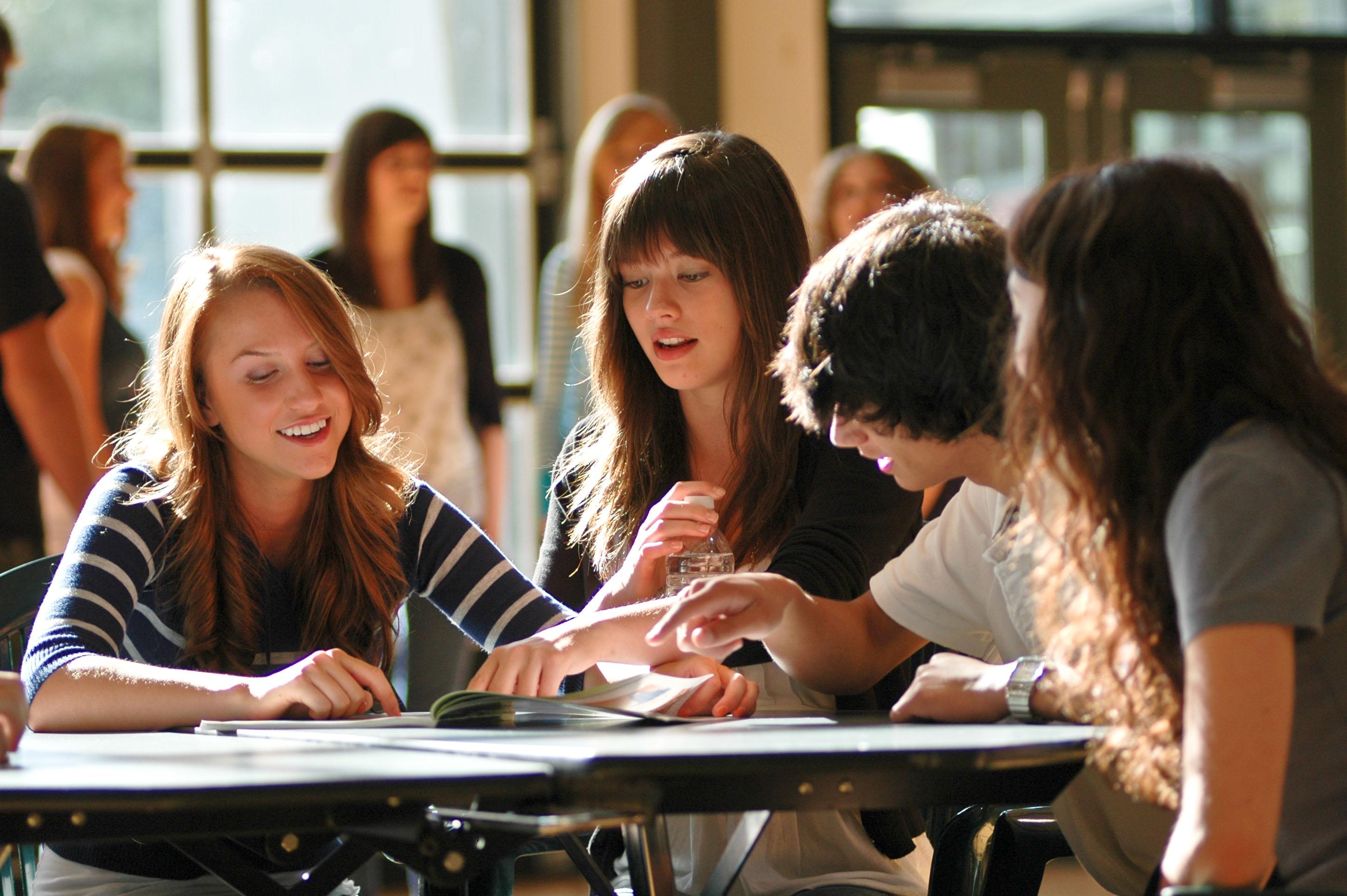 受験戦争のないカナダの公教育とは?-個性・才能を伸ばし、不登校者も軽減!競争よりも共存を教える教育