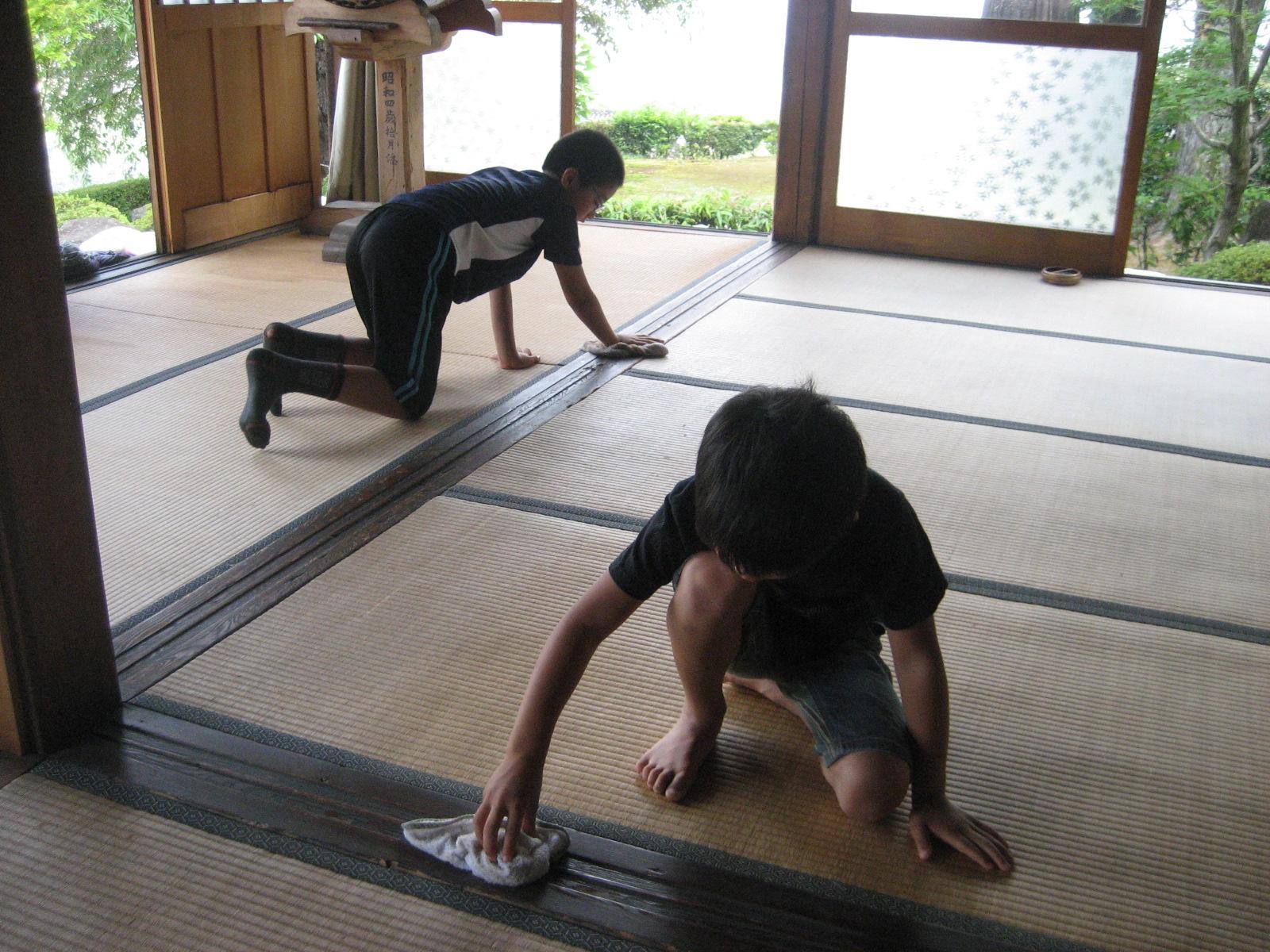 学校で子どもが掃除するのは当たり前ではない-世界の教育をリードする日本の学校清掃