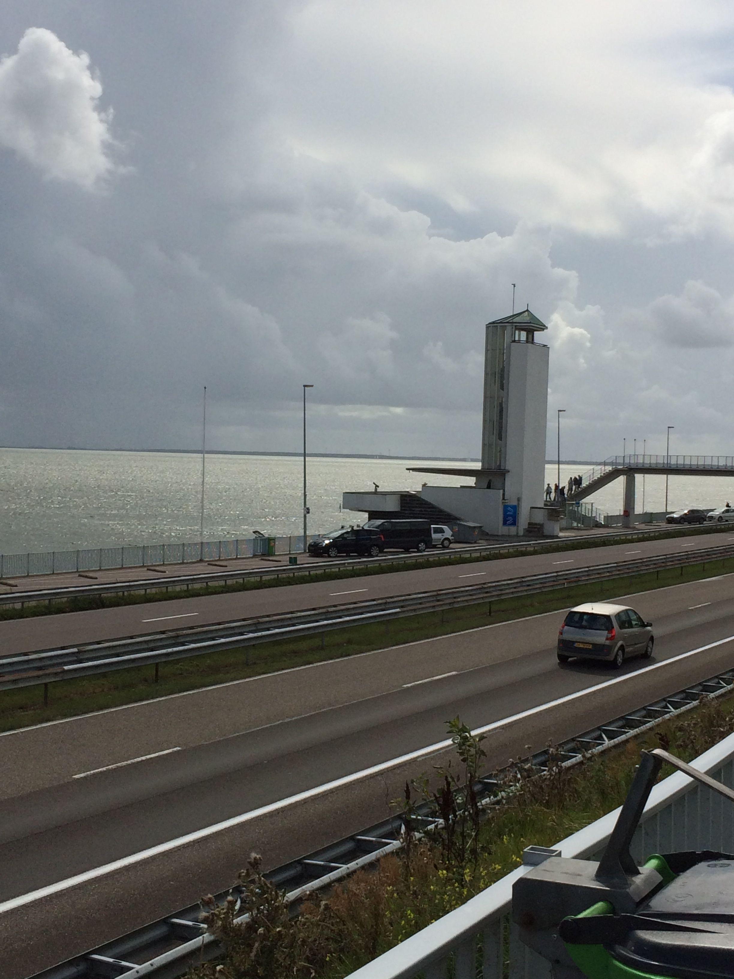 水とNPO:オランダを訪ね(I)。