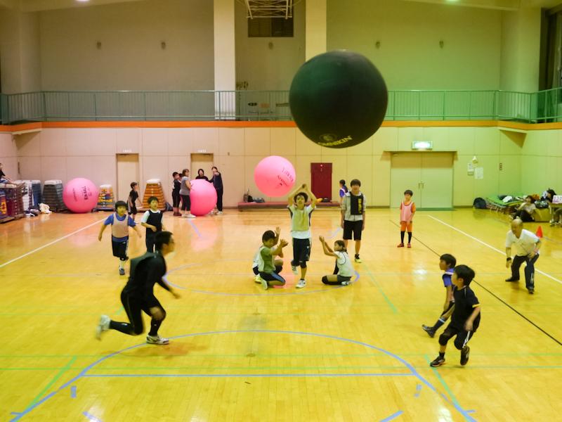 「荒川区で最もメジャー?なマイナースポーツ」キンボールスポーツをやってみよう
