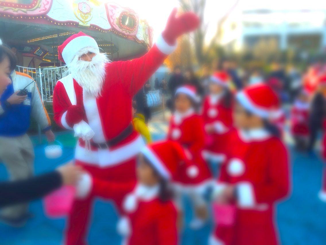 今年もよみうりランドに、サンタをお手伝いするキッズサンタパレードが登場!