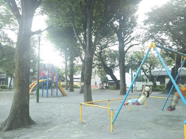 狸が出る?通称「狸山公園」の「駒込林町公園」