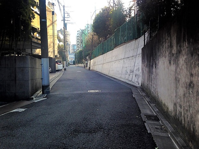 文京区の名坂(東京坂道ゆるラン)「陽だまりの樹」の三百坂