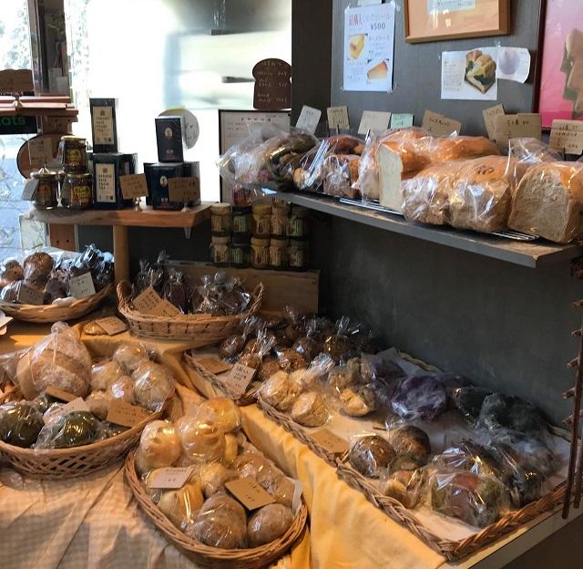 材料こだわり、シンプルな主食/千駄木のちっちゃくてあったかいパン屋さん「パリットフワット」