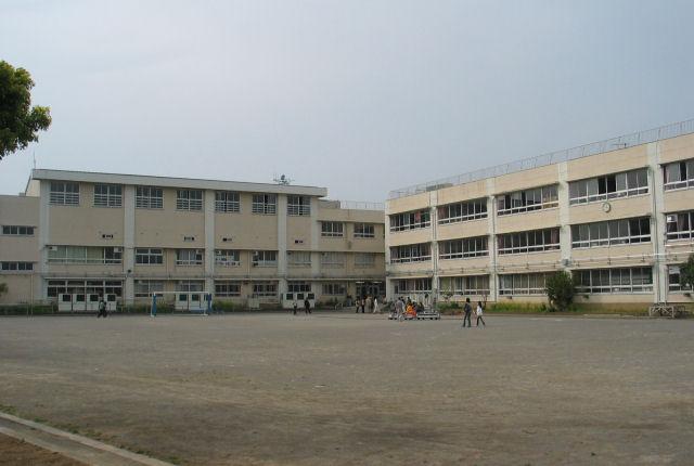 東京シューレ葛飾中学校「始まりの会」でスタート