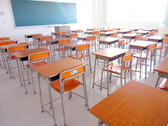保護者が「ふだんの授業」を見られない理由【別室登校中の14歳手記】