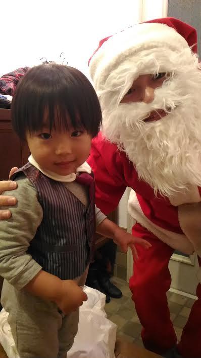 サンタさんで人見知り克服?!