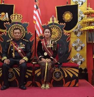 インドネシアのニセ王国物語(松井和久)