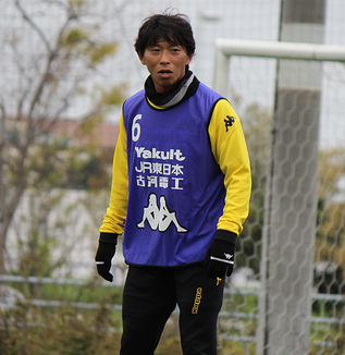 佐藤寿人選手「ボールを奪いに行くことはもちろん大事ですけど、全体的な守備の力の使いどころを前の選手と後ろの選手で擦り合わせた」