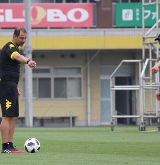 フアンエスナイデル監督「(横浜FCの印象について)去年と少し違うようなイメージがあります」