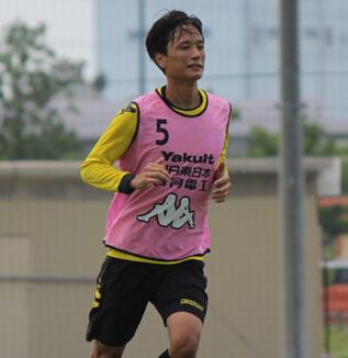 小島秀仁選手「アウェイで勝点3を取ることは大事ですし、ここからまた追い上げられるように目の前の試合に勝つことだけを考えてやりたい」