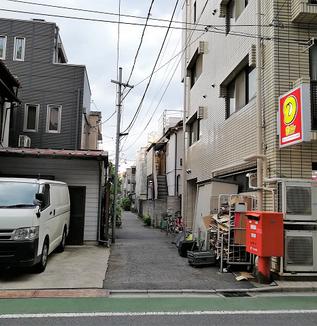 こんなところに?日本一ハードルの低いレコード屋って?